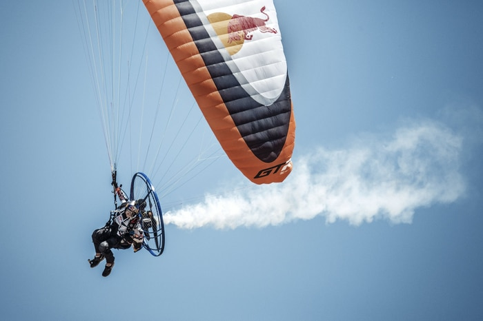 Motorized Parachute flying into Glen Helen